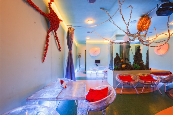 Octopussy restaurant